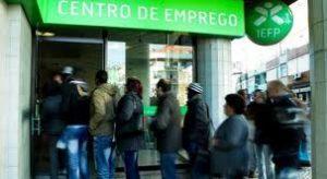Taxa de desemprego em Portugal baixa quase dois anos depois